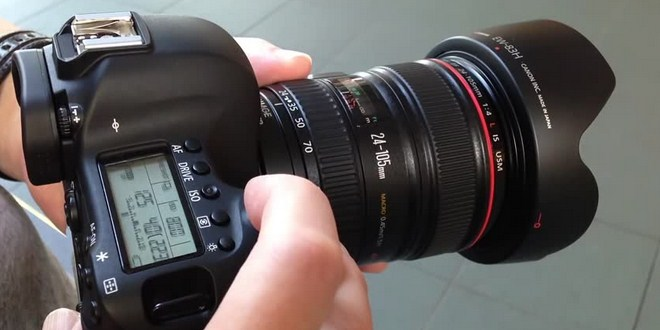 Ilustrasi kamera DSLR