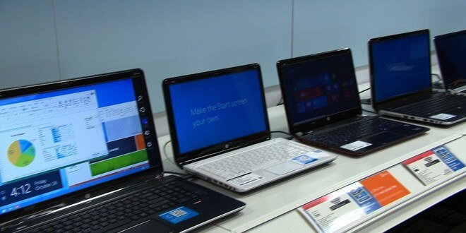 Ilustrasi membeli laptop bekas