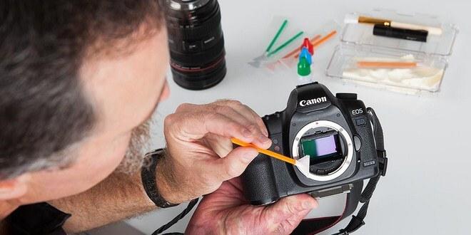 Merawat kamera DSLR