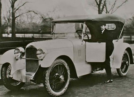 Mobil Duesenberg tahun 1920