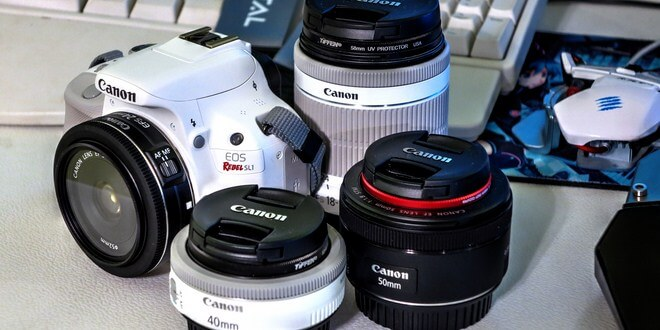 Ilustrasi lensa kamera DSLR