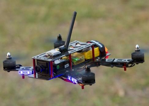 Contoh racing drone