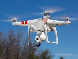 Jenis drone - Quadcopter lagi terbang